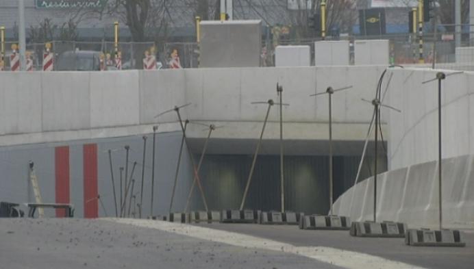 De tunnel onder de Ring in Lier opent op...