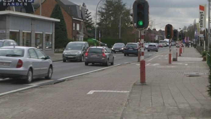 Kruispunt op Mechelsesteenweg Heist-op-den-Berg wordt vlotter en veiliger