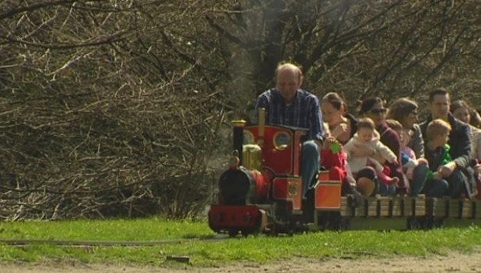 Turnhoutse stoomtreintjes rijden over vernieuwde sporen