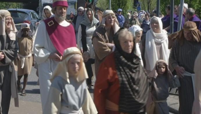 Veel zon en volk op Hanswijkprocessie