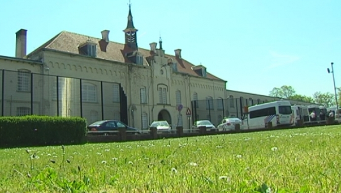 Schade aan gevangenis Merksplas groot: capaciteit verlaagd