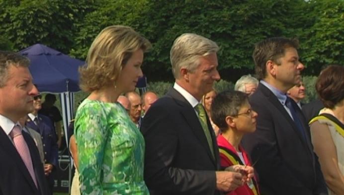 Koningspaar herdenkt Verhaeren in Sint-Amands