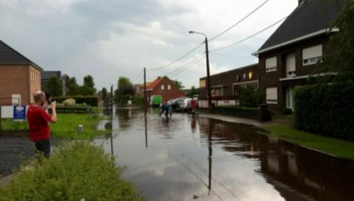 Onweer trekt over de Kempen, veel wateroverlast