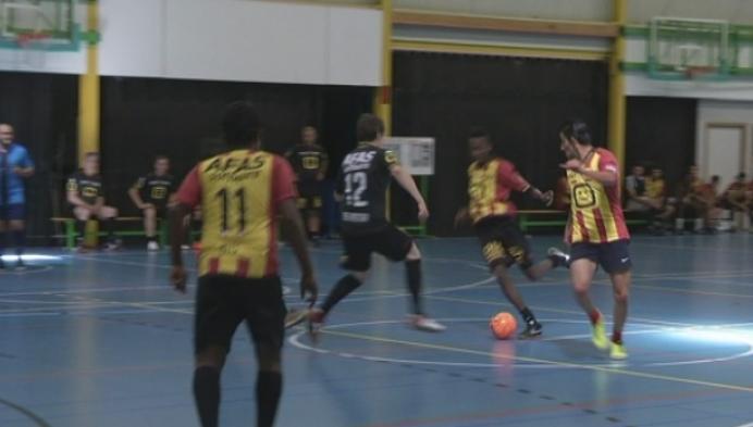 Politici verliezen zwaar tegen vluchtelingen in voetbalwedstrijd