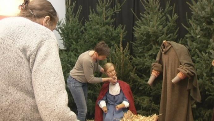 Jacqueline (87) bouwt al 60 jaar mee aan Turnhoutse kerststal