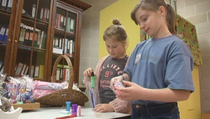 Meisjes zamelen geld in voor kinderen met levensbedreigende ziekte