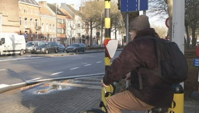 Verwarring: groen voor fietsers, rood voor voetgangers