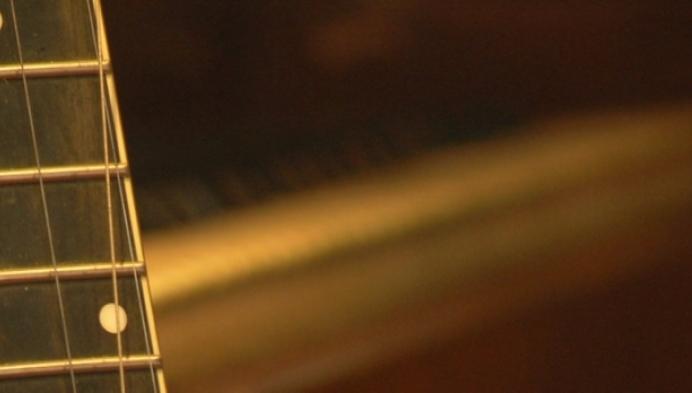 Texaanse jazzzangeres zoekt gestolen gitaar in de Kempen
