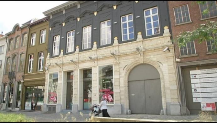 Hof van Cortenbach: aannemer start met sloop van 5 panden