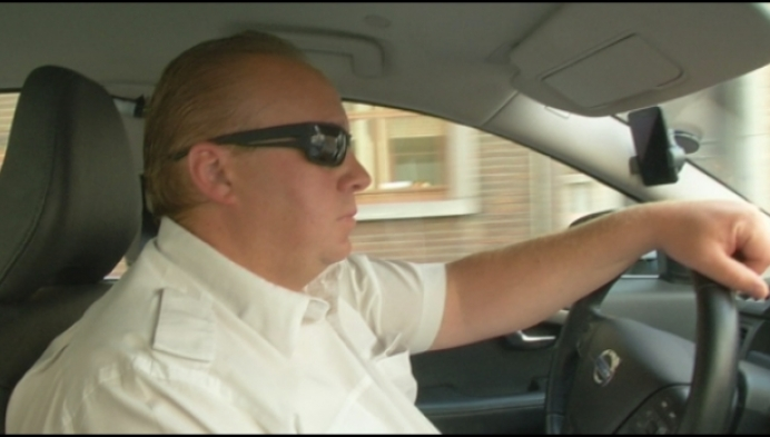 Politie zoekt getuigen van geweld tegen taxichauffeur