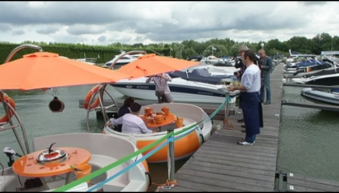 NIeuwe attractie in Willebroek: 'donut boats'