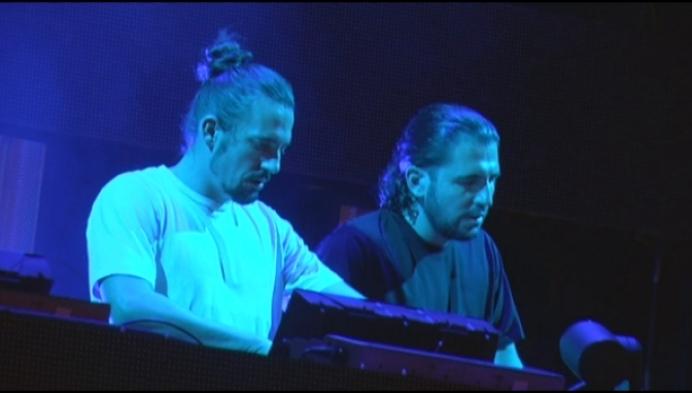 Dimitri Vegas & Like Mike spelen Willebroek plat