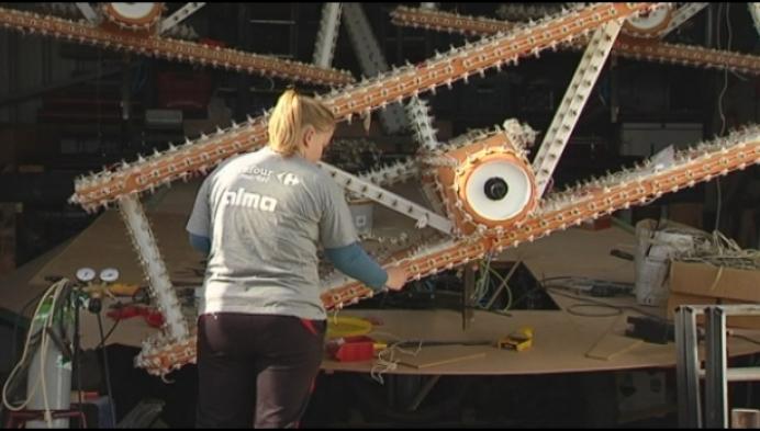 Laatste lampjes ingedraaid voor Lichtstoet Ginderbuiten
