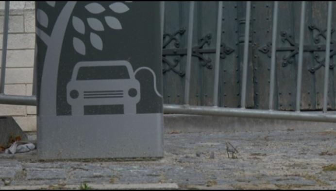 Mechelen volop bezig met plaatsen van nieuwe oplaadpalen