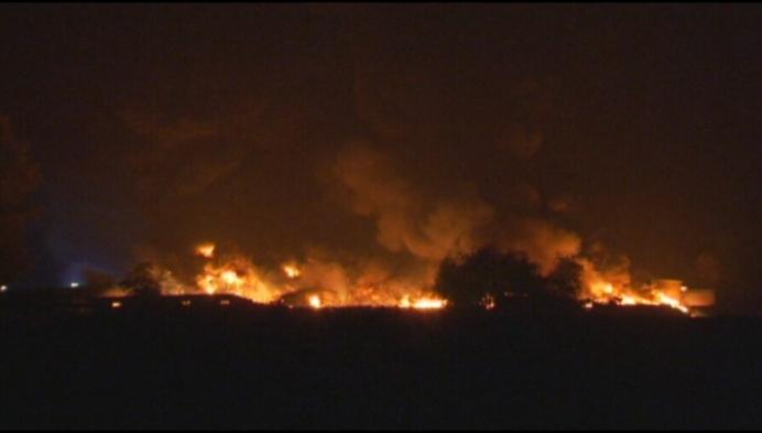Vuurzee vernielt loods Mechels rubberbedrijf