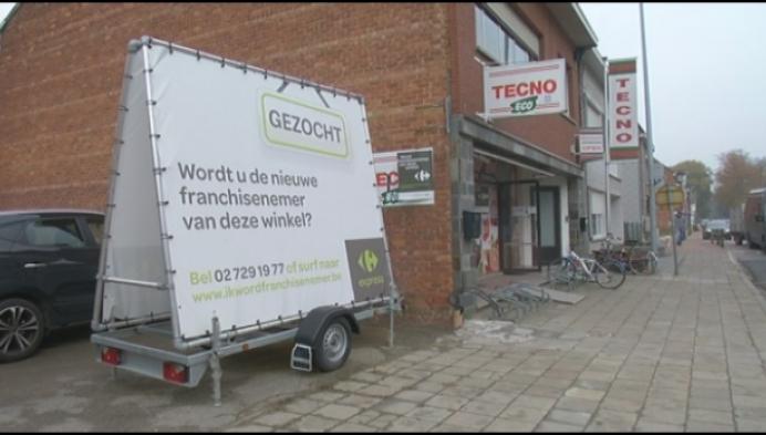 Jong drietal baat nieuwe Carrefour Express in Rijmenam uit