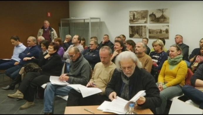 Inwoners van Bouwel blijven strijden voor oud gemeentehuis