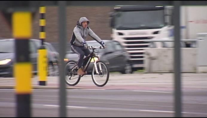 Kruispunt Pallietertunnel te gevaarlijk voor fietsers