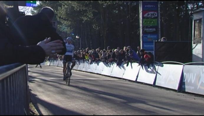 20 000 toeschouwers genieten van Krawatencross in Lille