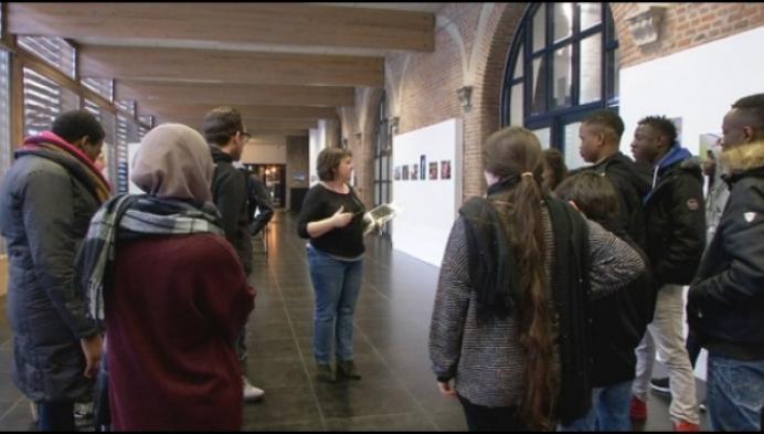 Anderstalige jongeren op zoek naar cultuur en verenigingen