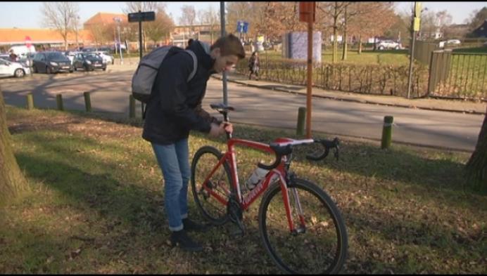 16-jarige triatleet in zak en as na diefstal dure fietsen