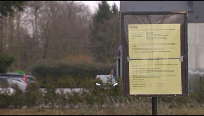 Niet meer parkeren langs drukke weg aan Albert Heijn Oud-Turnhout