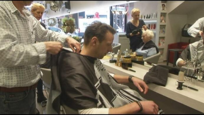 Kapsalon Cary in Mechelen blaast 50 kaarsjes uit