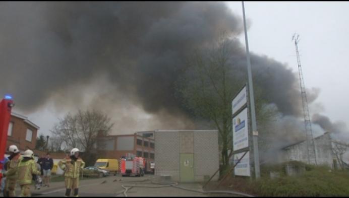 Zaakvoerder uitgebrand magazijn aangeslagen, maar laat moed niet zakken