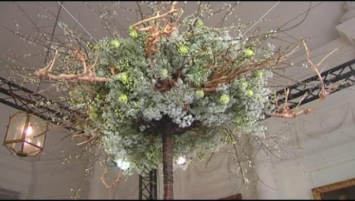 Kasteel d'Ursel letterlijk in de bloemetjes gezet