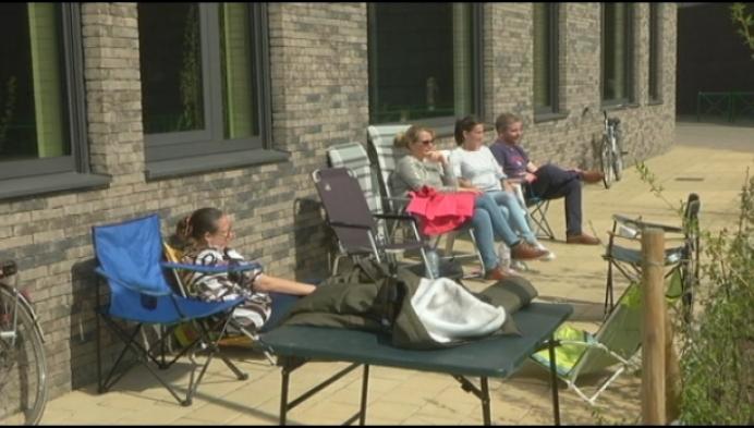 N-VA wil kamperen aan schoolpoort halt toe roepen
