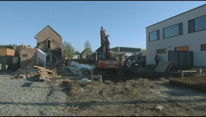 Familie met 2 kinderen opgevangen na instorting huis