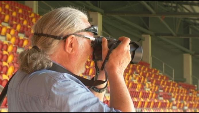 Amateurfotograaf legt sloop AFAS-stadion vast