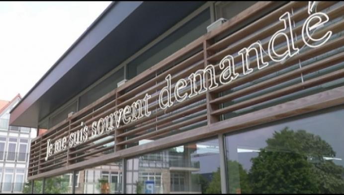 Bobbejaan Schoepen krijgt zijn eigen plein en monument in Lichtaart