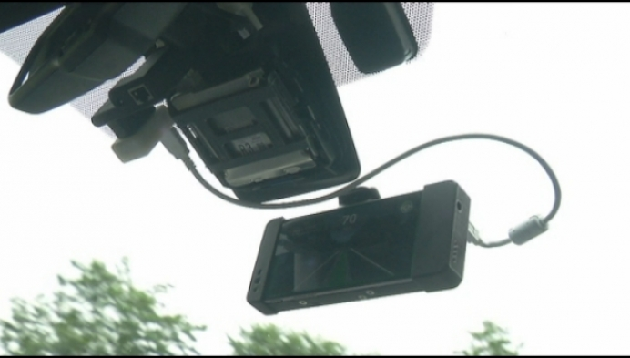 Studenten laten auto rijden met smartphone