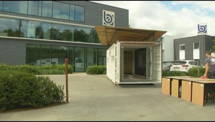 Studenten bouwen klascontainer voor Senegal