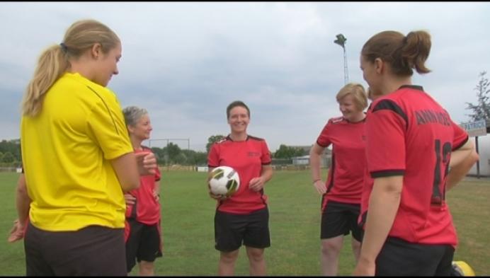 Damesvoetbalploeg vindt geen trainer