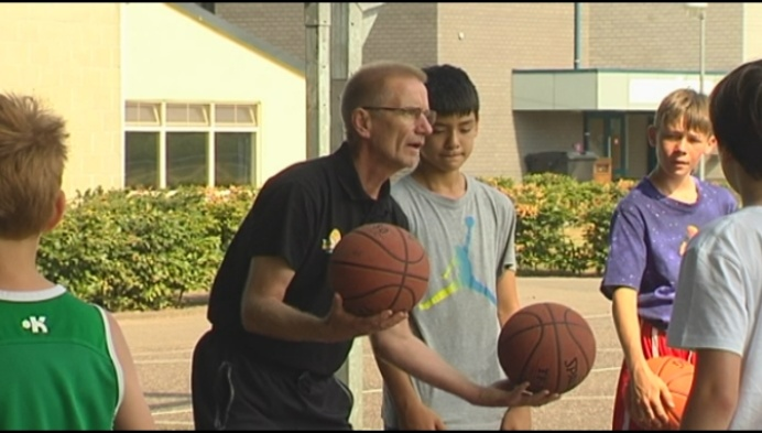 (M) Eddy Casteels traint jongeren op kamp