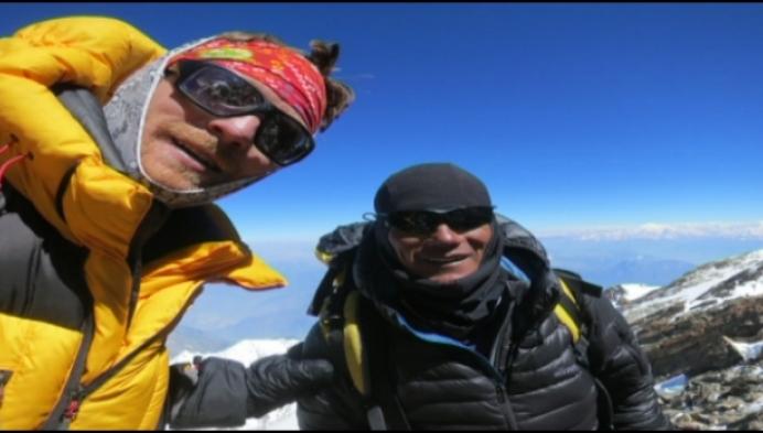 Kempenaar bedwingt berg van 8126 meter hoog