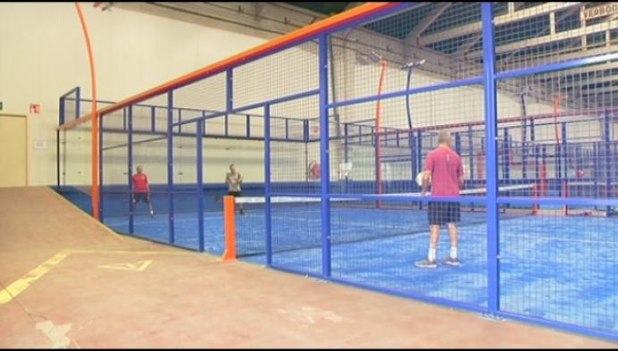 Mechelse padelclub zit voortaan in magazijn van Huyghebaert