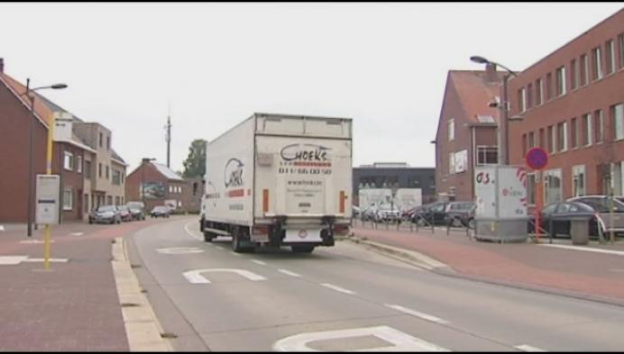 600 truckers lappen tonnagebeperking aan hun laars