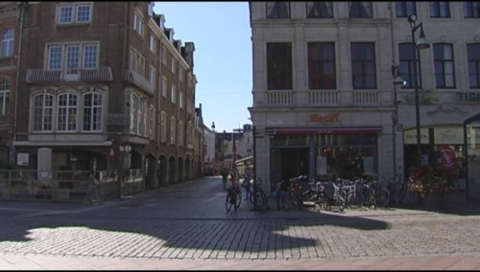 17-jarige jongen aangevallen door groep op Grote Markt van Lier