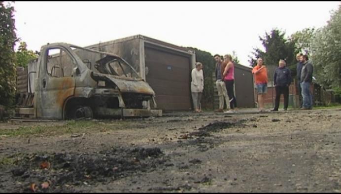 Nog veel onduidelijkheid over mobilhome-brand in Willebroek