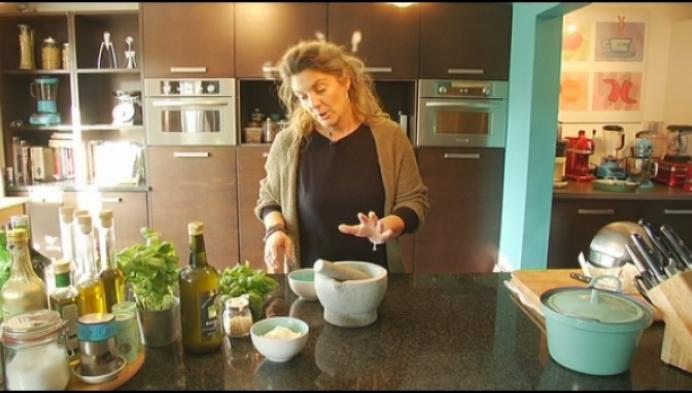 Mechelse Isabella Cozzi maakt pesto voor ingestorte brug in Genua