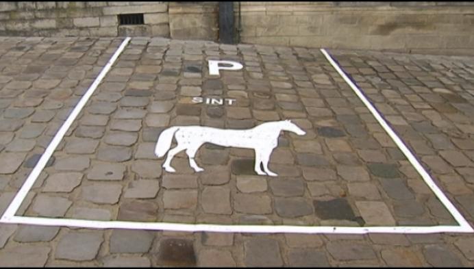 Stad Lier voorziet parkeerplaats voor paard Sinterklaas