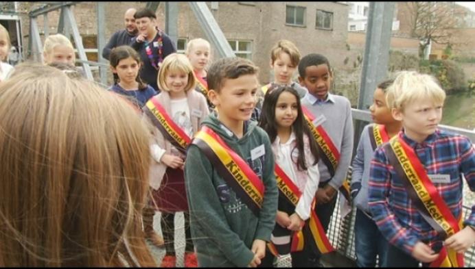 "Nieuwe Mechelse kinderburgemeester: ""rookverbod op alle speelpleinen"""