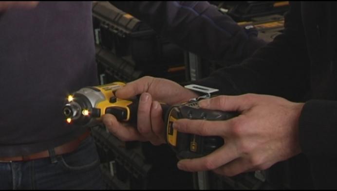 Dieven stelen voor 5000 euro aan materiaal bij jonge elektricien