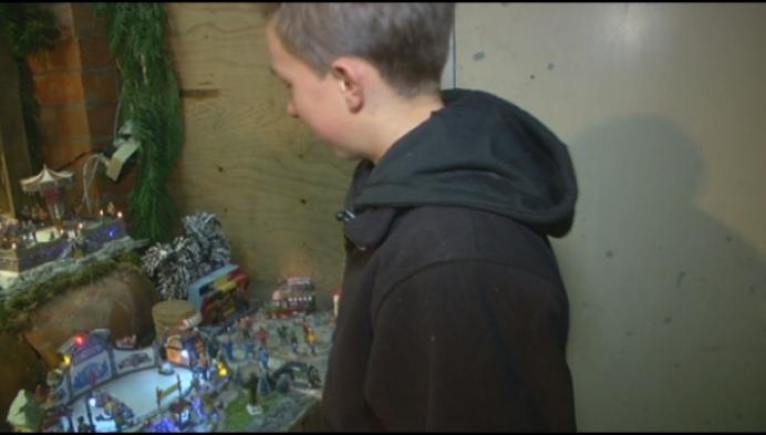 """Jongeman stelt kersthuisjes tentoon: """"Als de muizen eraf blijven"""""""