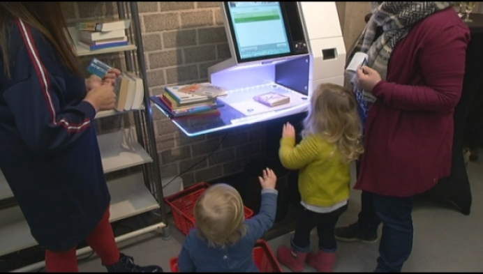 Zelf boeken scannen in Berlaarse bibliotheek