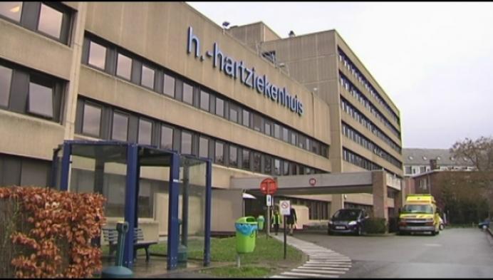20 patiënten geëvacueerd na brandgeur in ziekenhuis
