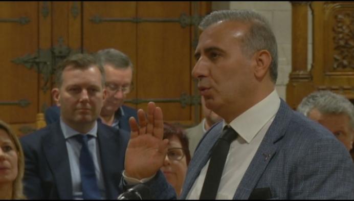 Mechels gemeenteraadslid opgepakt in onderzoek rond humanitaire visafraude